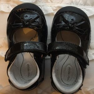 Adorable Stride rite shoes. Size 5M
